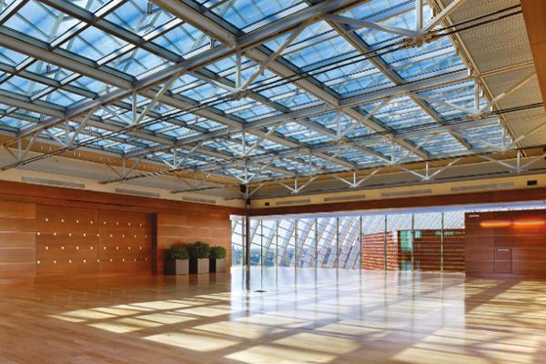 Grâce au vitrage électrochrome Sage Glass, la verrière se teinte si le soleil est trop fort ©Sage Glass