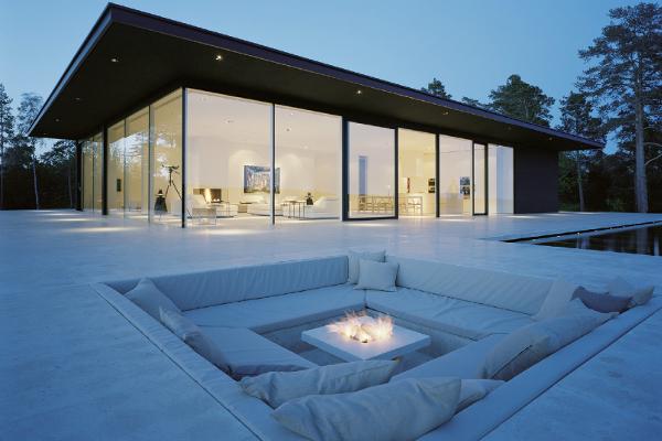 Saint-Gobain propose également un vitrage chauffant baptisé E-Glass - Villa Overby, Suède ©Lindman Photograph