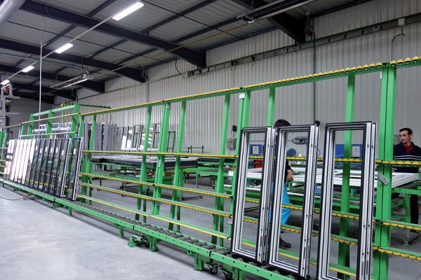 Dans son nouveau site de production, Paralu a également investit dans de nouveaux équipements. ©V&MA