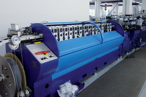 Cette machine conçue par ses ingénieurs, rassemble le coeur des compétences techniques de Baumann Hu?ppe. ©V&MA
