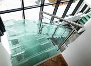 Dalles de sol et marches en verre
