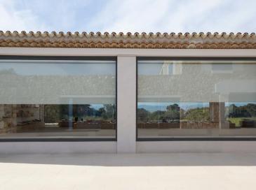 Les screens de protection solaire et stores occultants Bandalux mis en oeuvre