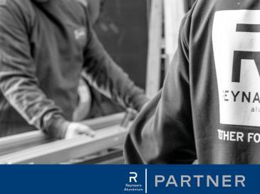 Reynaers Aluminium qualifie ses partenaires professionnels sous le nouveau label Reynaers Partner