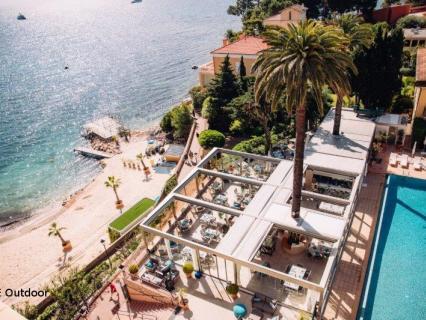KE pour la nouvelle zone outdoor de l'établissement historique Hôtel Royal Riviera