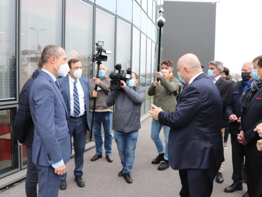 Visite ministérielle sur le site industriel de WICONA à Courmelles (Aisne)