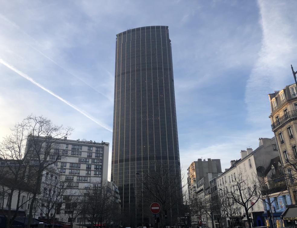 Surélévation sur la Tour Montparnasse : appels à abandonner le permis de construire