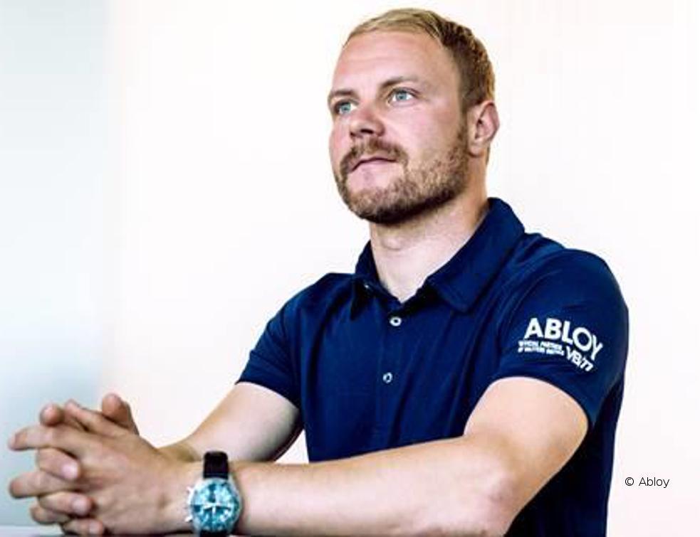Le pilote Valtteri Bottas et Abloy renouvellent leur partenariat