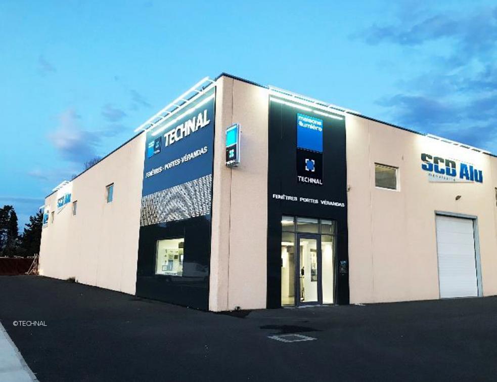 Nouvelle enseigne Maisons de Lumière by Technal a été inaugurée à Canohès
