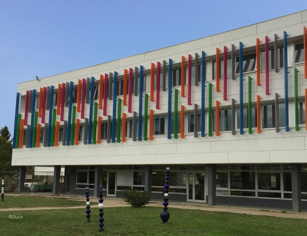 DucoSun Cubic 300 accroche les regards au Lycée Jean-Monnet à Yzeure (03)