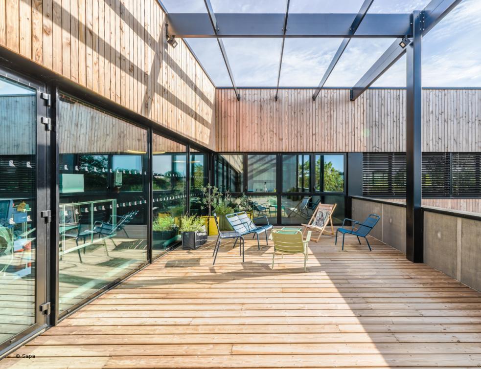 Les menuiseries Sapa habillent un bâtiment labellisé Passiv'Haus proche de Nantes