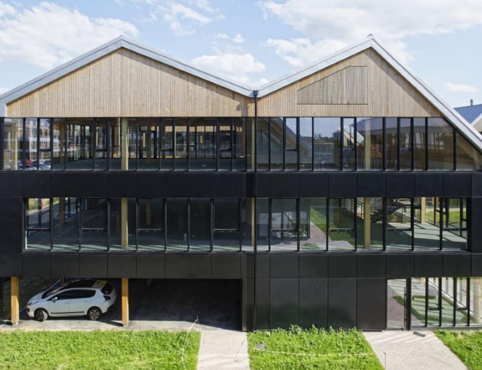 L'aluminium Wicona épouse le bois au Grand Carré à Villeneuve d'Asq