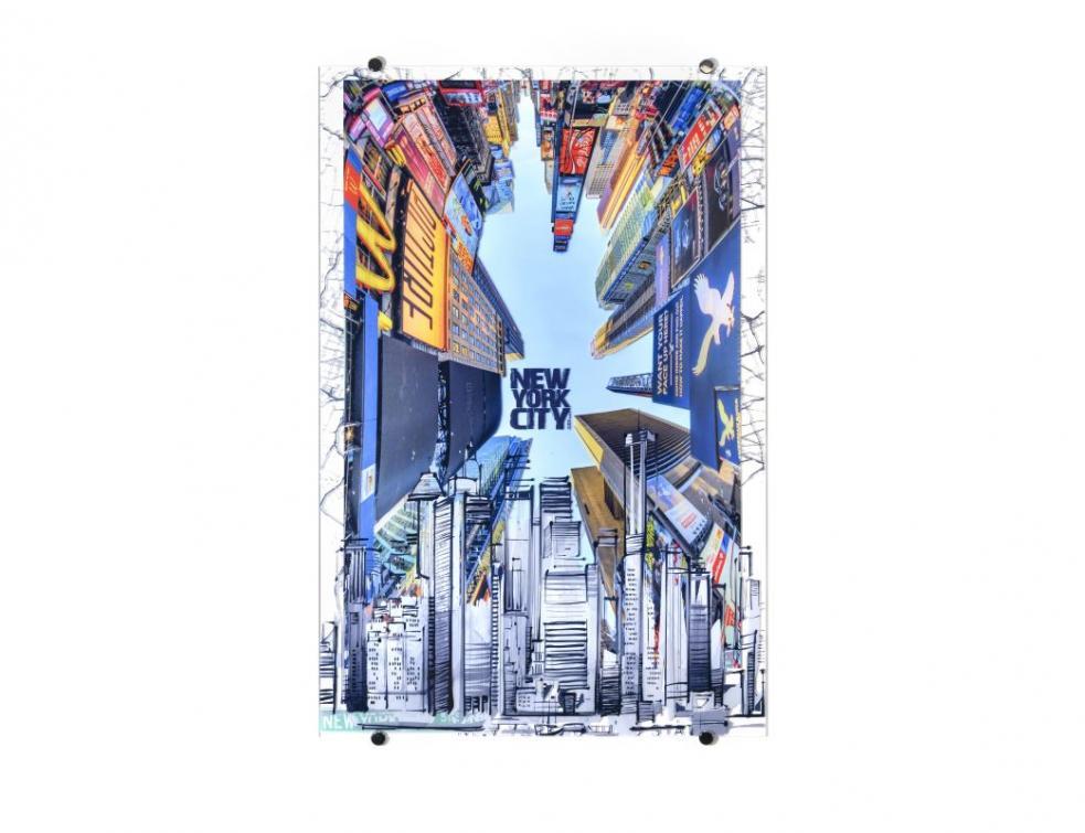 Riou Glass lance une collection d'œuvres sur verre en collaboration avec Rubix Wall Art